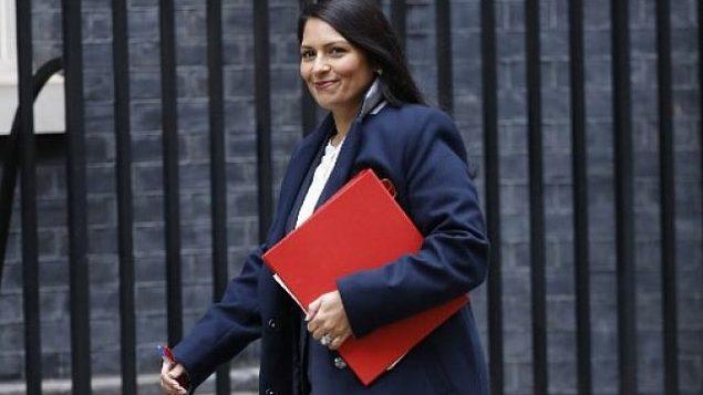 استقالة وزيرة التنمية الدولية البريطانية من منصبها