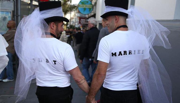 استفتاء تاريخي غير ملزم يقر زواج المثليين في استراليا