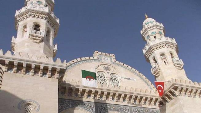 """إعادة افتتاح مسجد """"كتشاوة"""" العثماني في الجزائر 731460625"""